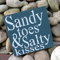 02_sandy-toes-salty-kisses